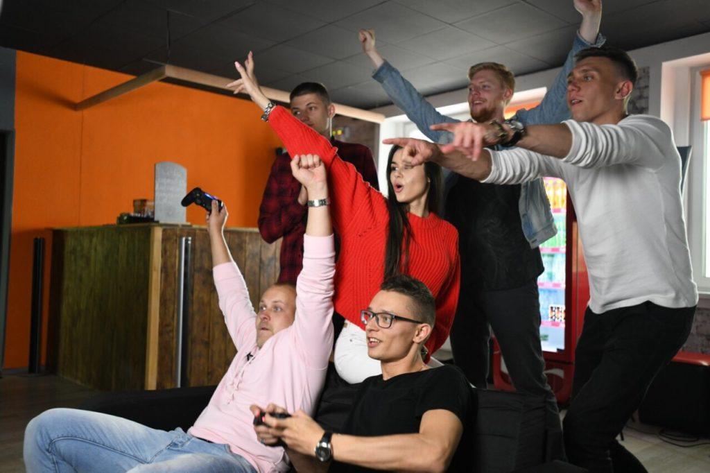 повеселиться с друзьями в Минске